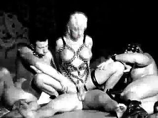 गर्म गुंडा समूह सेक्स