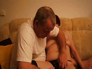 लड़का दोस्त ने दादी Masturbating