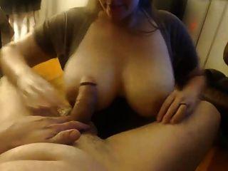 बड़े स्तन Wifey उसके आदमी से दूर बेकार है, चेहरे लेता है