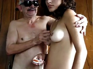 Abuelo tiene सेक्स चोर ला empleada