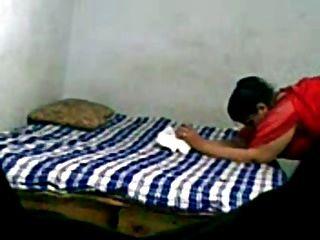 परिपक्व भारतीय युगल घर का सेक्स