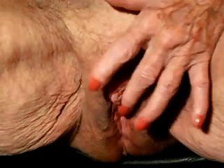 दादी बड़ा clit