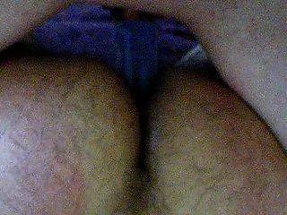 द्वि सेक्स के पीछे से डबल अध्यक्षता dildo का उपयोग