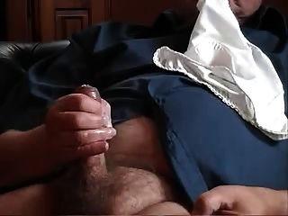 पुराने मोटा आदमी मरोड़ते