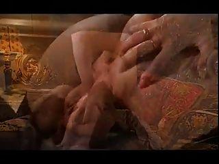 एक सुंदर श्यामला के साथ अविस्मरणीय सेक्स