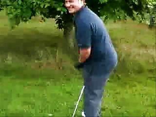 निर्माण के साथ गोल्फ खिलाड़ी