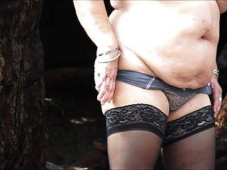 ब्रेंडा - एक अजीब जंगल में खो दिया है