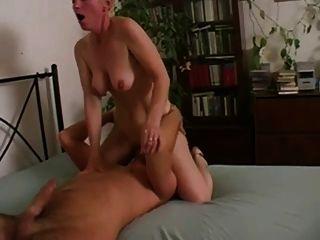 नहीं अपनी मां के साथ सेक्स बीवीआर चक्कर
