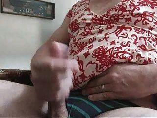 बंद Jackin पहने हुए पत्नी पोशाक, ऊँची एड़ी के जूते और जाँघिया