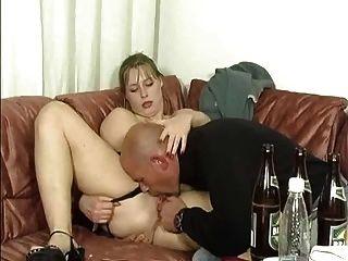2 जर्मन सुंदरियों पीने और साला
