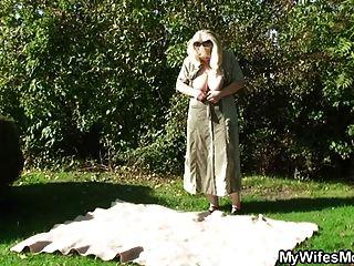 वह शिकंजा कानून आउटडोर में अपने पुराने मां