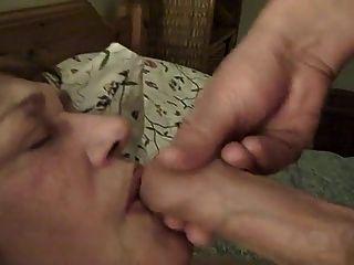 वर्ष विकृत नौकरानी उसके चेहरे में सह प्राप्त