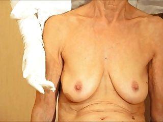 Saggy स्तन शो