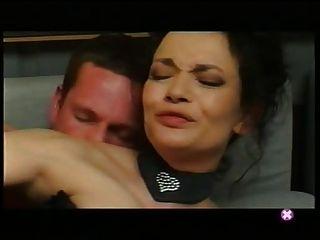 फ्रेंच: वेरोनिका lafait Baise सुर ले canape