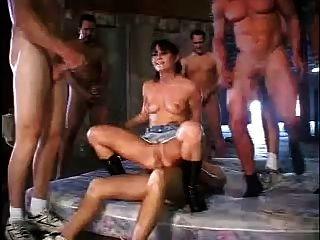 एरियाना jollee गैंगबैंग संकलन