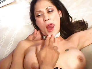 सेक्सी Latinas सही गुदा दृश्य