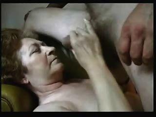 एक पुराने फूहड़ के चेहरे पर Cuming