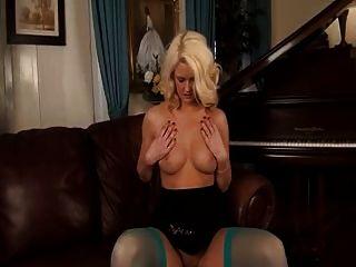 सेक्सी ब्रिटिश एमआईएलए
