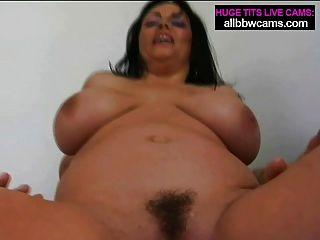एमआईएलए तैसा कमबख्त भारी स्तन 2 पं