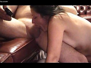 मेरी प्यारी गुलाम उसकी प्रतिभा का अभ्यास।