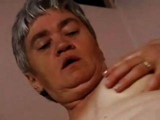 मोज़ा मुर्गों की एक बीमारी है और Fucks मोटा दादी