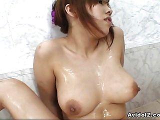 भारी स्तन फूहड़ Miu Satsuki हस्तमैथुन