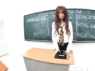 जापानी शिक्षक Snahbrandy द्वारा कक्षा में masturbates