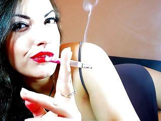 धूम्रपान बुत alexxxya
