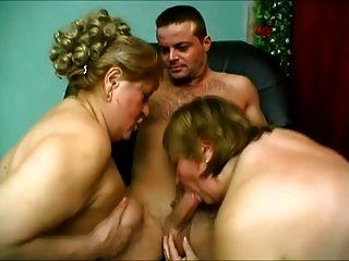 दो बड़े गधे महिलाओं उसे करने के लिए एक देखने देना