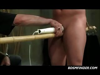 clamped निपल्स toyed और spanked