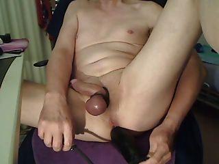 तंग मुंडा गधे में विशाल inflatable डिल्डो