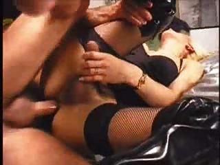 गोरा ट्रांस टीवी बकवास बालों पुराने शीर्ष काले fishnet मोज़ा