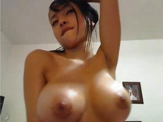 titty विदेशी पुतली आप के लिए इंतज़ार कर रही है