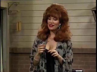 क्रिस्टीना Applegate और उसे शेख़ी स्तन!