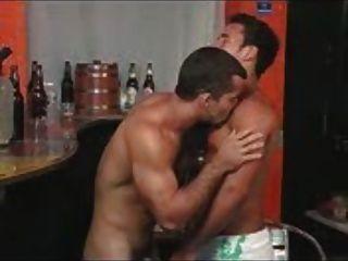 समलैंगिक लैटिन पुरुषों चूसने और कमबख्त