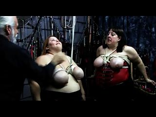 bbw रस्सियों के साथ zippered वसा स्तनों