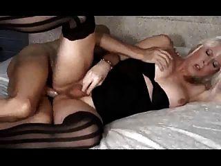 एक टीएस वेश्या के लिए परिपक्व कमीने