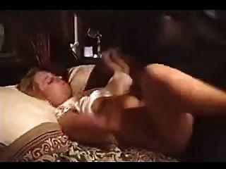 पत्नी गधा बीबीसी द्वारा नष्ट कर दिया