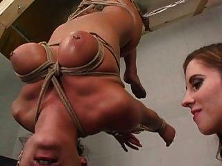 बंधन तैसा में समलैंगिक बीडीएसएम महिला को स्तन चूसना बुझाना चूसना