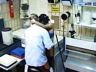 प्रयोगशाला में बुत