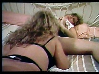 ट्रिनिटी Loren समलैंगिक दृश्य