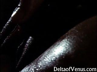 विंटेज सेक्सी एशियाई महिला - गर्म तेल की मालिश और बकवास