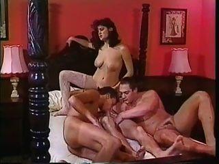 उभयलिंगी बेडरूम समूह 2