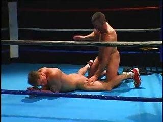 एक बॉक्सिंग कोच और मुक्केबाजी
