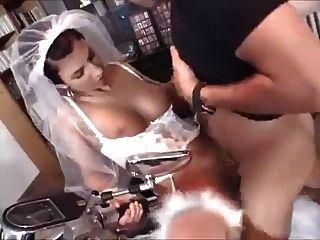 युवा पत्नी बेकार है और फोटोग्राफर के साथ fucks