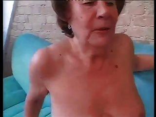 फूहड़ दादी मार्था दोनों छेद में गड़बड़