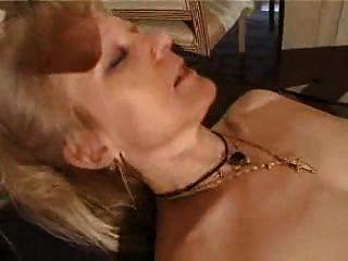 फ्रेंच मुंडा सुनहरे बालों वाली दादी PT3
