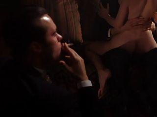 समलैंगिक नंगा नाच दृश्य