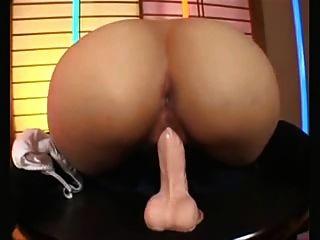 एशियाई dildo खेलने