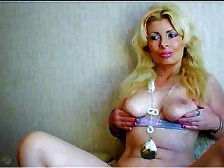 गोरा Webcam अद्भुत स्तन के साथ परिपक्व